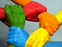 小活动 • 增了解聚团结